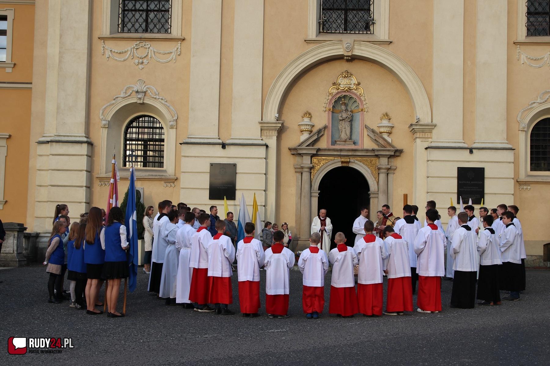 Liturgia Wielkiego Tygodnia sprawowana będzie bez udziału wiernych.