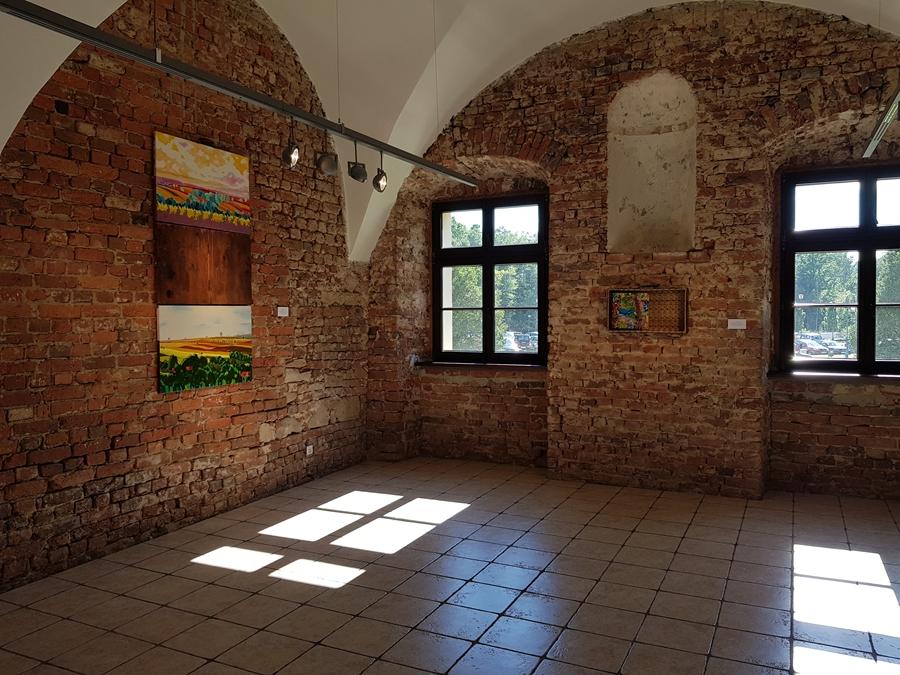 Finisaż wystawy malarstwa Michała Guza w Galerii Sztuki w Starym Opactwie w Rudach