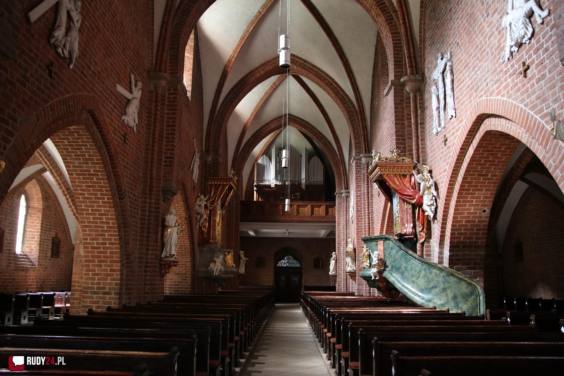 Biskup gliwicki przywraca Msze św. z udziałem wiernych