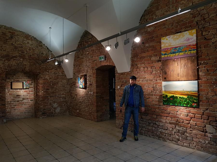 Walizkowe malarstwo Michała Guza
