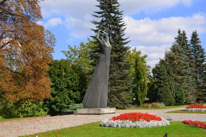 Pomnik Matki Polki w Raciborzu (wideo)