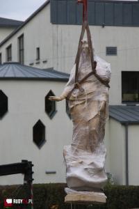 Kolumna z figurą Najświętszej Maryi Panny powróciła na swoje miejsce!