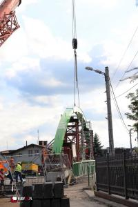 Nowy most w Rudach z dnia na dzień nabiera kształtów