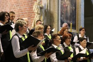 Pieśni Maryjne zabrzmiały w rudzkiej świątyni